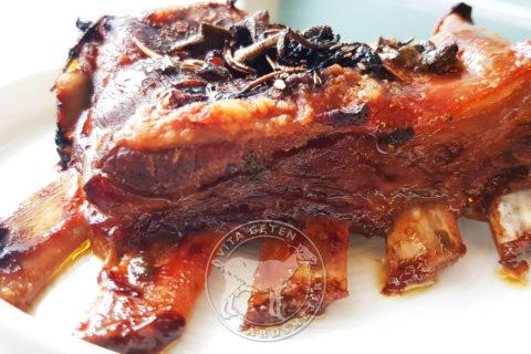 Getkött, getbringa ugnsbakad och glaserad, Vita Geten Gårdsmejeri